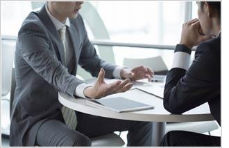 任意整理は債務者と債権者が交渉して、借金の解決策を探す方法
