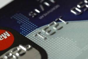 過払い金請求したら、クレジットカードやキャッシングは使えなくなるの?